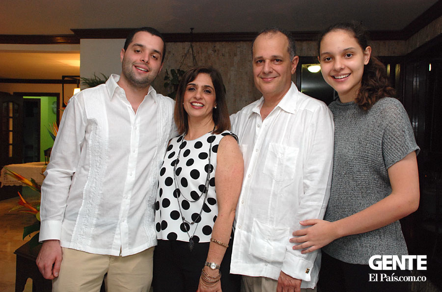 Christian Stangl, Pilar Correa, Willy y Laura Stang