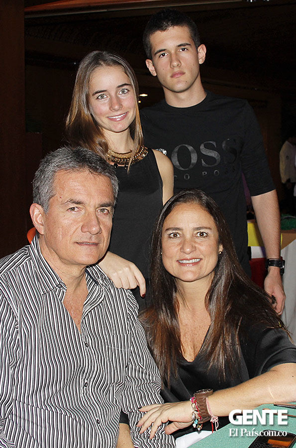 Alfonso Lince, Diana Rivera, Isabella Lince y Eduardo Uribe
