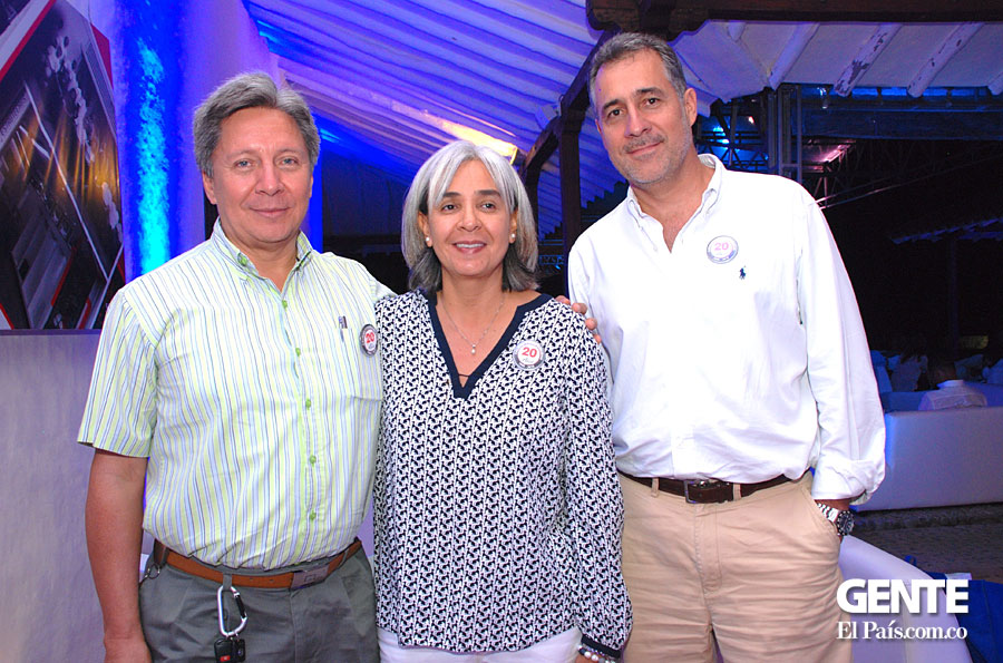 William Parada, Claudia de la Cruz y Jaime Hurtado